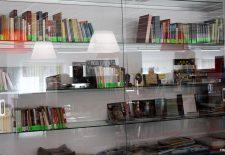 La Biblioteca 'Eugenio Frutos' inaugura el fondo bibliográfico local