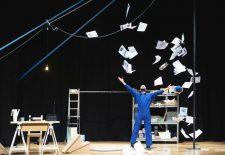Edu Manazas trae este viernes a Guareña su espectáculo circense 'Fuera de Stock'